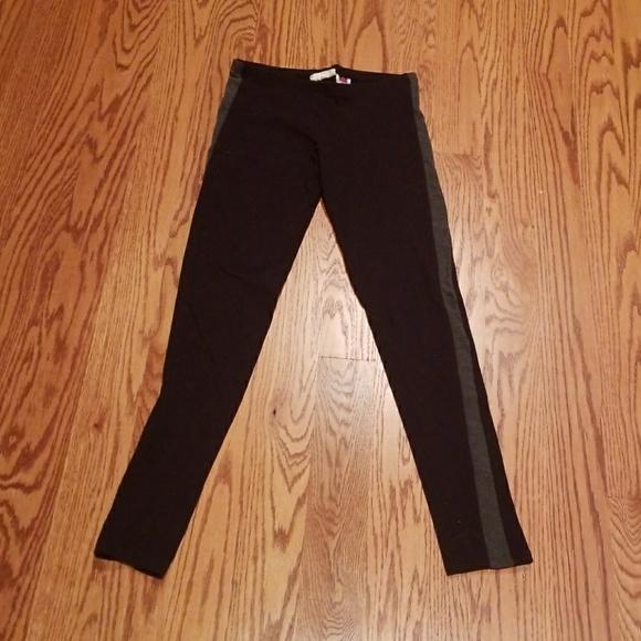 SO Pants - Gray striped leggings